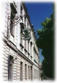 Aussenansicht des Hanf Museums, zur Webseite