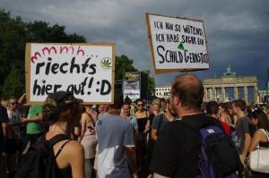 Foto Hanfparade 2014 Blick zur Bühne und Brandenburger Tor